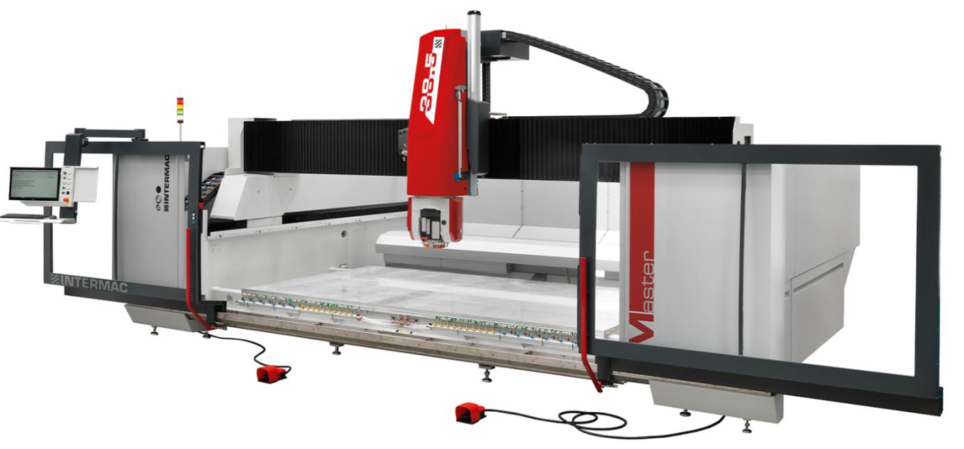 Master 38.5 on viieteljeline CNC töötluskeskus